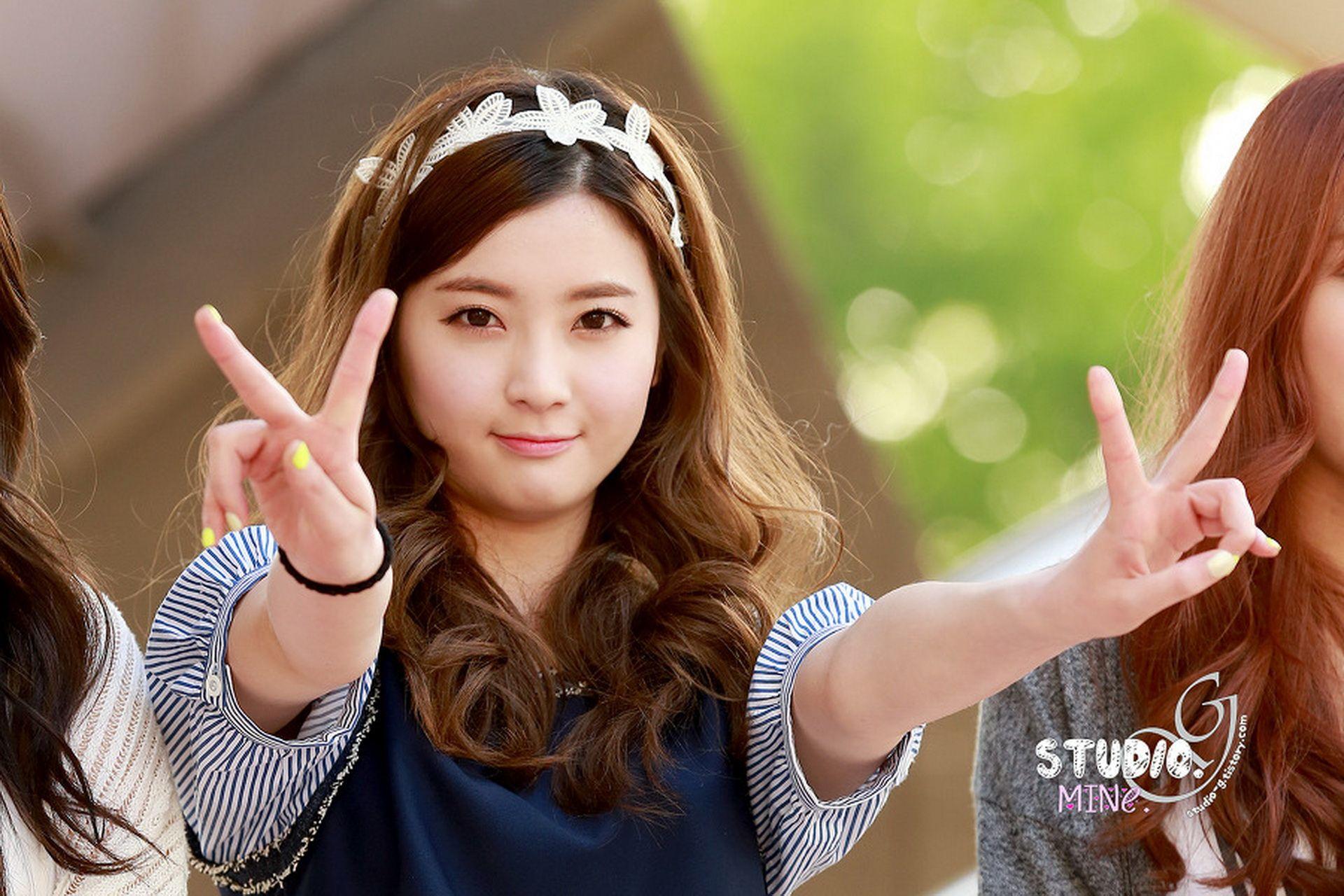 Korean Girls Wallpaper  Shin Se Ha Another Pretty Korean