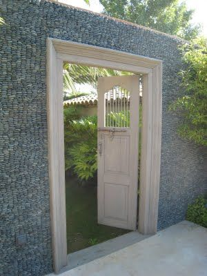 Gabion cage garden wall/door Rock Fence Building Pinterest