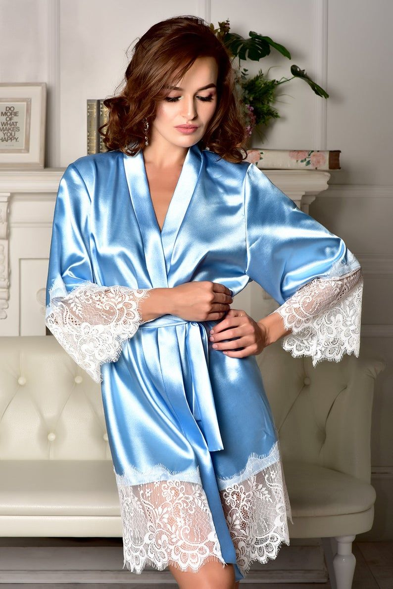 Bridal party robes Bride robe Robes with pretty lace on sleeves and bottom hem Set of 6 robes. Kimono robe Bridal robe