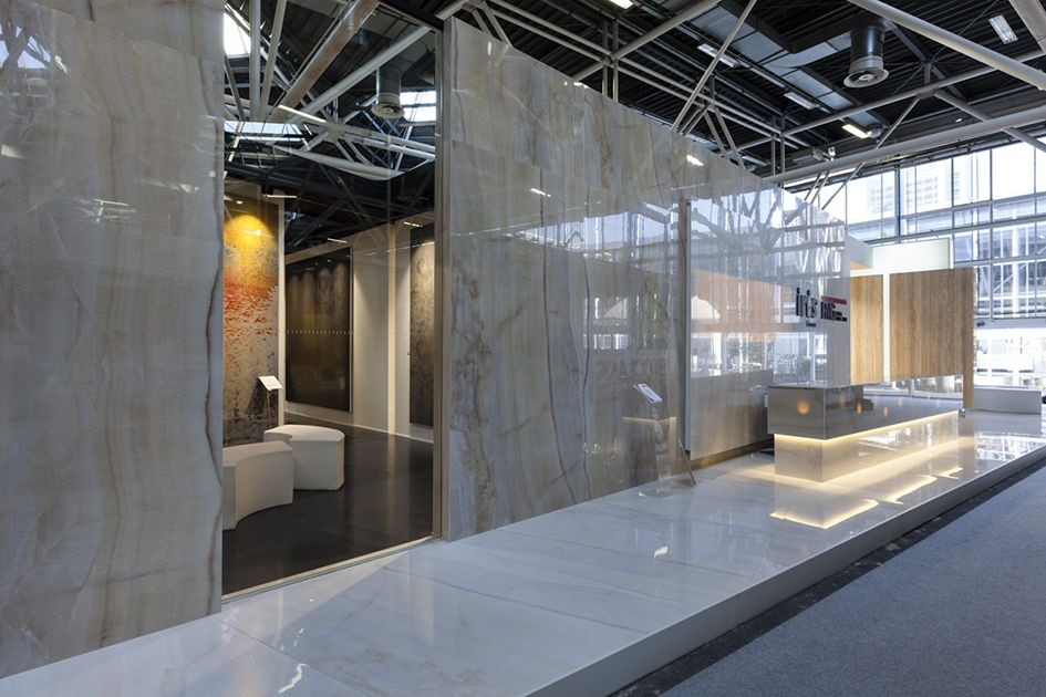 A booth with a view! #Cersaie2013