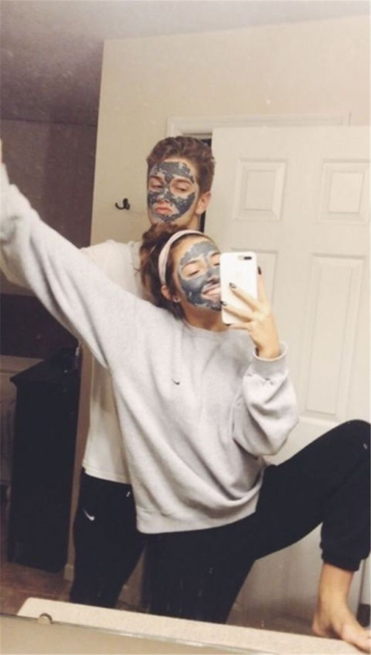 35 Goofy Face Mask Couple Goals You Dream To Have – Page 33 of 35