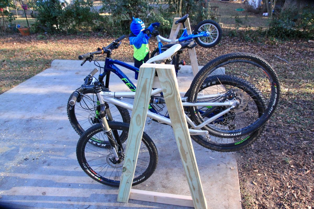 How to Easily Build a Cheap MultiBike Hanging Storage