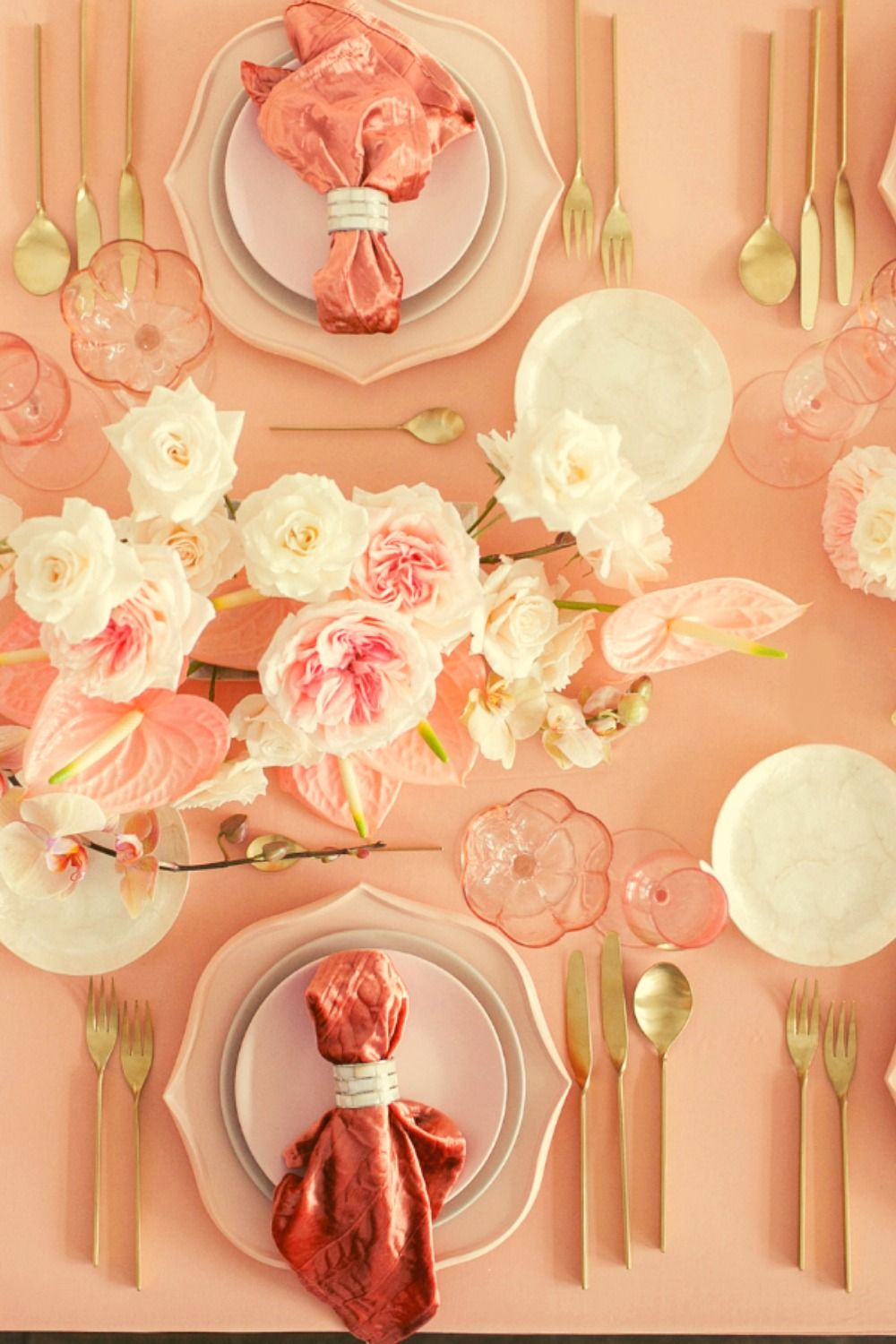 Love This Table Setting For A Dinner Party Using Blush As The Main Color White For Accent Decor And Gold Silverw Table Decorations Blush And Gold Accent Decor