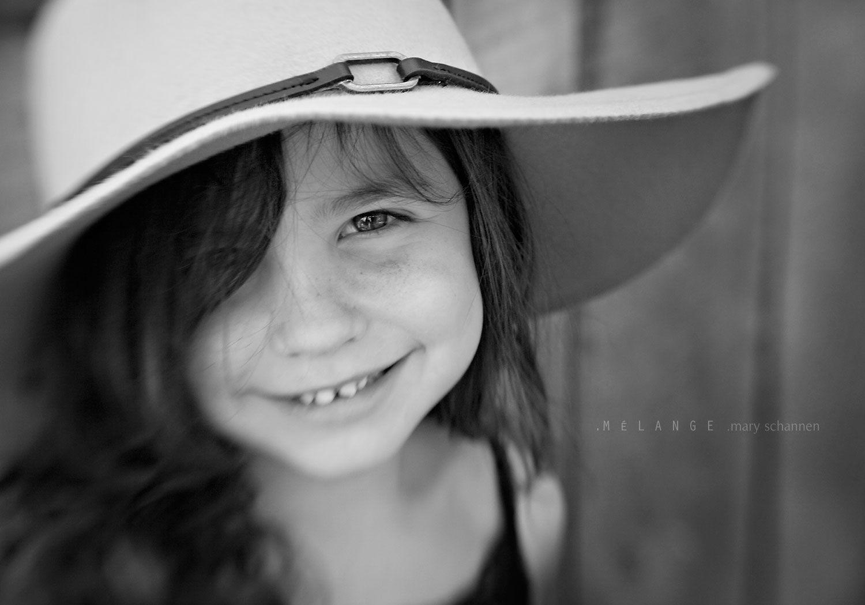 Il sorriso è la benzina per affrontare questo viaggio chiamato vita. (Mattei)