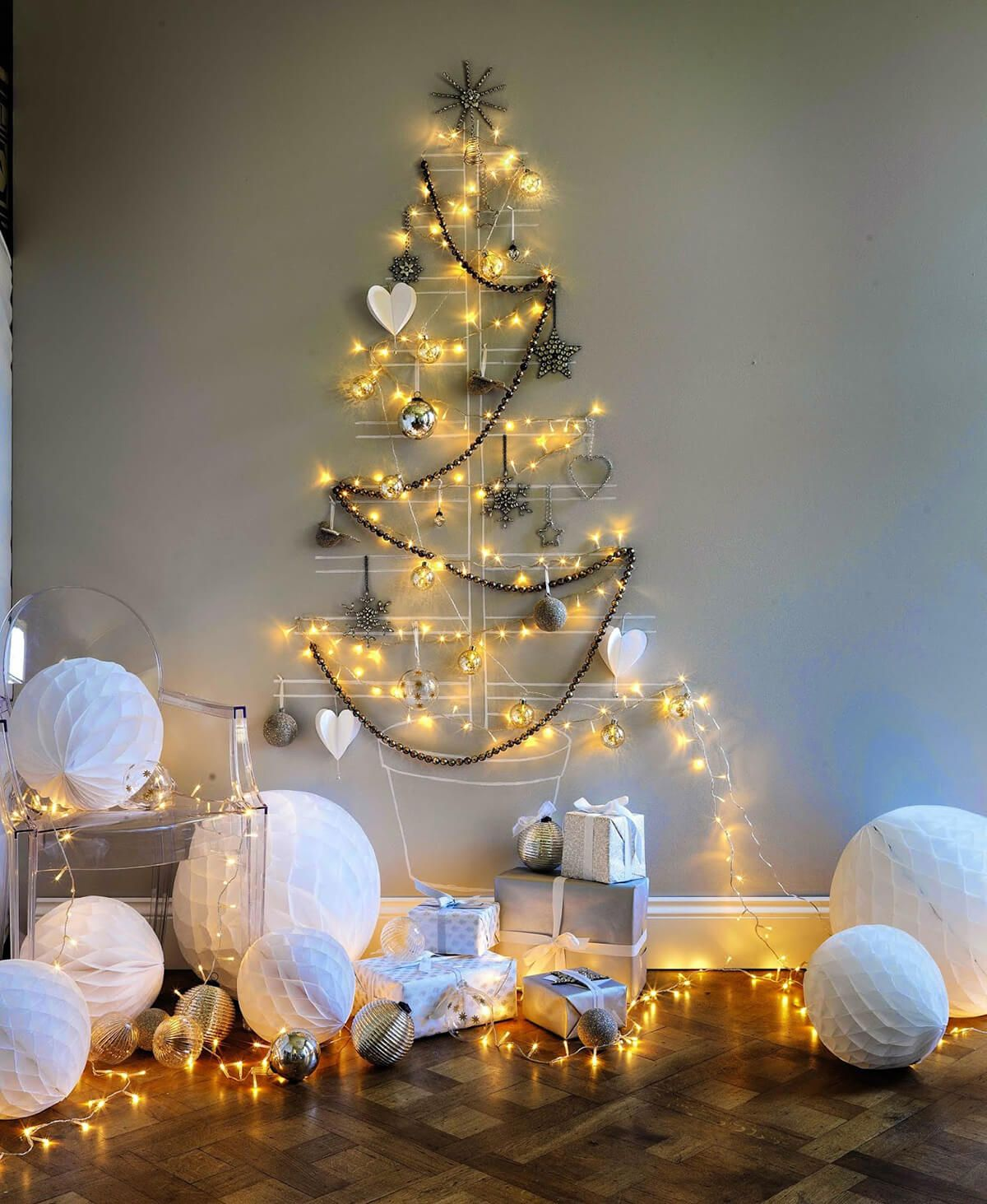 35 Festive Christmas Wall Decor Ideas That Will Instantly Get You