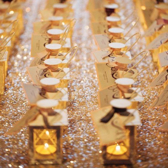 glitter gatsby themed lanter wedding place card ideas