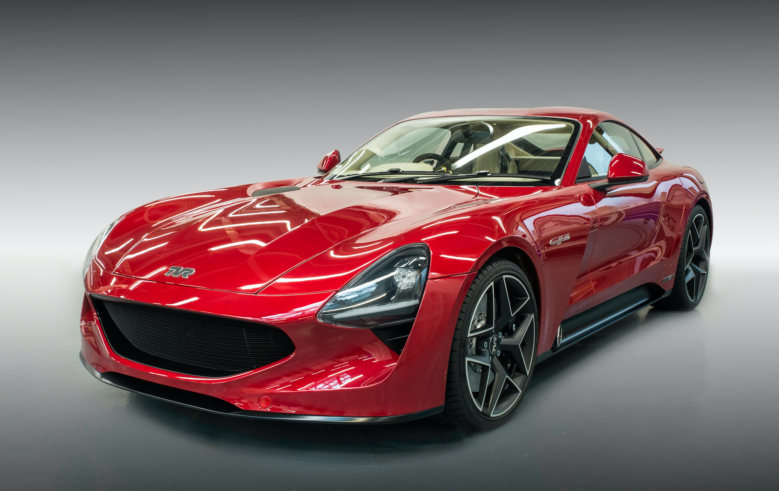 This Is The New 500 Hp 200 Mph Tvr Griffith British Sports Cars Sports Car New Sports Cars