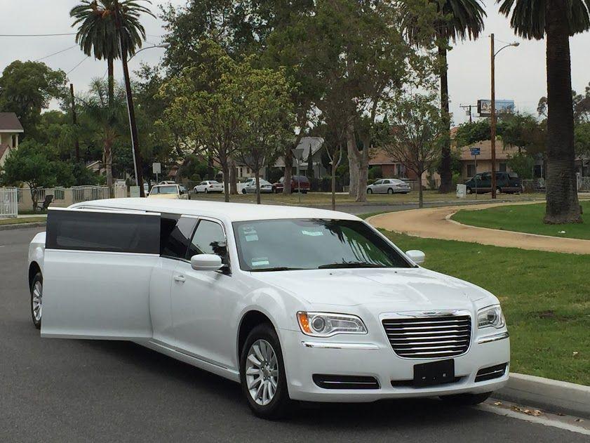 2014 White 140inch 5th door Chrysler 300 limousine for