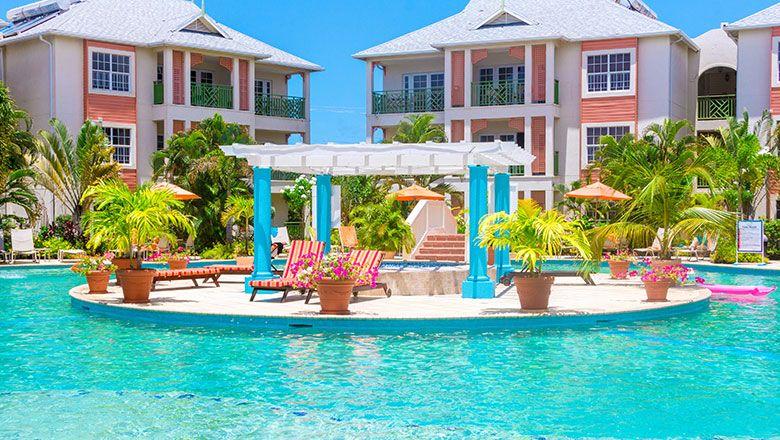 Hotel Of The Week Bay Gardens Beach Resort Spa St Lucia Escapism Magazine