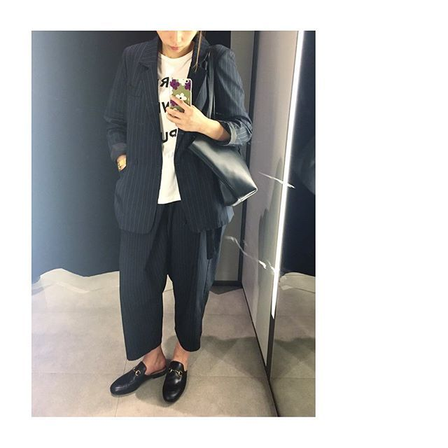 Suit day #mannish #unisex #fashion #ootd #outfitoftheday #wiwt #lovelive #etrececile #stripe #cos #saintlaurent #cabas #gucci #gucciloafers #instafashion