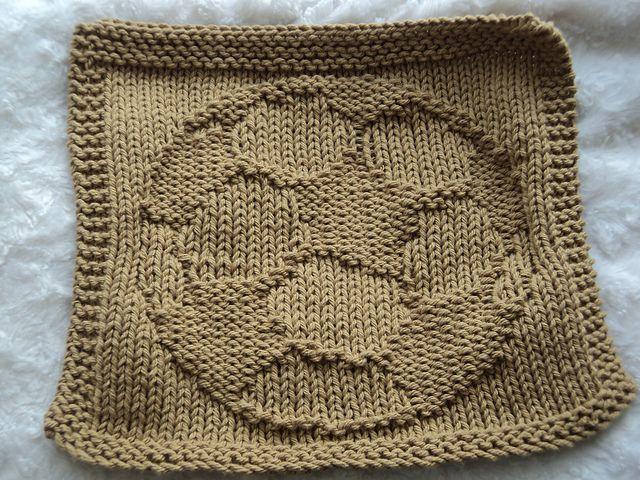 Ravelry: il2kacwy\'s Soccer Ball FaceCloth - Dishcloth | Knitting ...