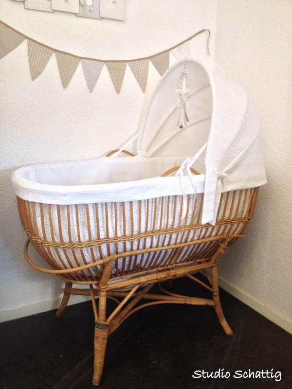 rotan restyle wieg studio schattig vintage style baby pinterest babyzimmer und kind. Black Bedroom Furniture Sets. Home Design Ideas
