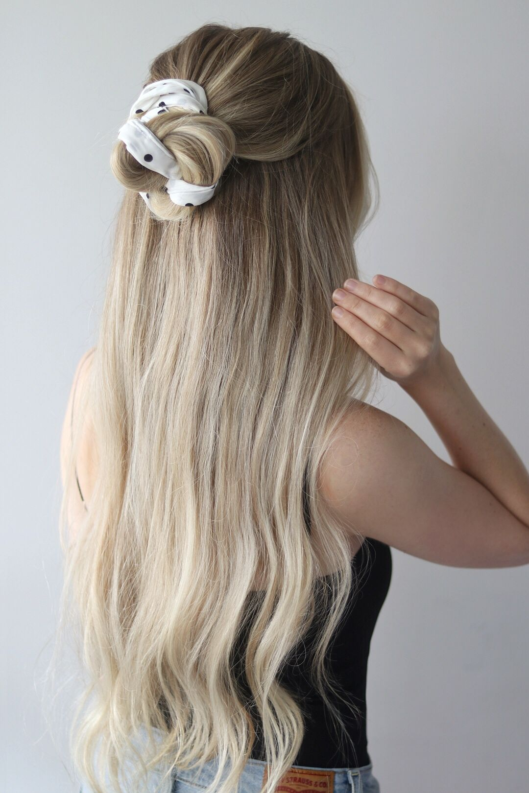 Easy Summer Hairstyles With A Scarf Alex Gaboury Easy Summer Hairstyles Hair Styles Half Up Hair