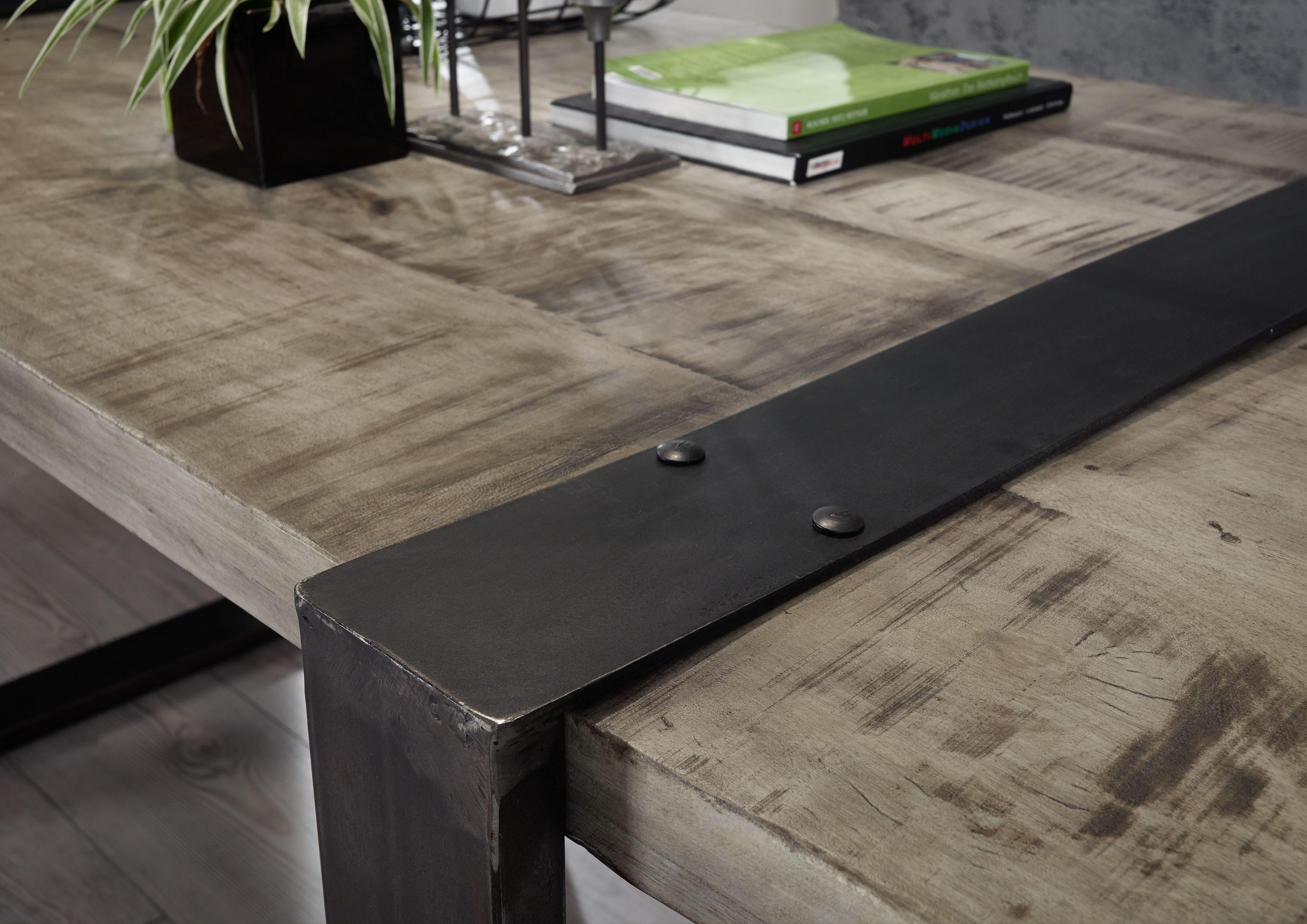 tisch der reihe heavy industry gefertigt aus mangoholz mit eisenelementen nat rlich lackiert. Black Bedroom Furniture Sets. Home Design Ideas