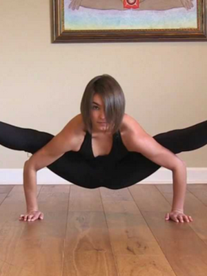 8 unbelievably difficult yoga poses you have to see to