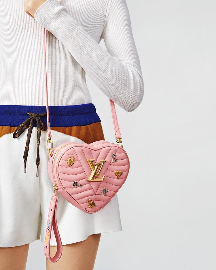 75d0f4e6bb1691 Obsessing over the LV Love Locks for the New Heart bag 🗝🔓💖💘🗼 Link in  bio for more pics! #louisvuitton