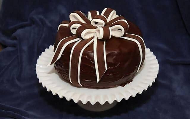 Как сделать шоколадный торт рецепт в домашних условиях с глазурью