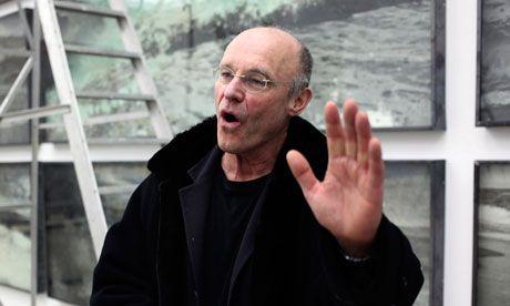 Nascido na Alemanha, a 8 de Março de 1945, Anselm Kiefer passou a viver em França, a partir de 1991. Mas o jornal Público (27/8...