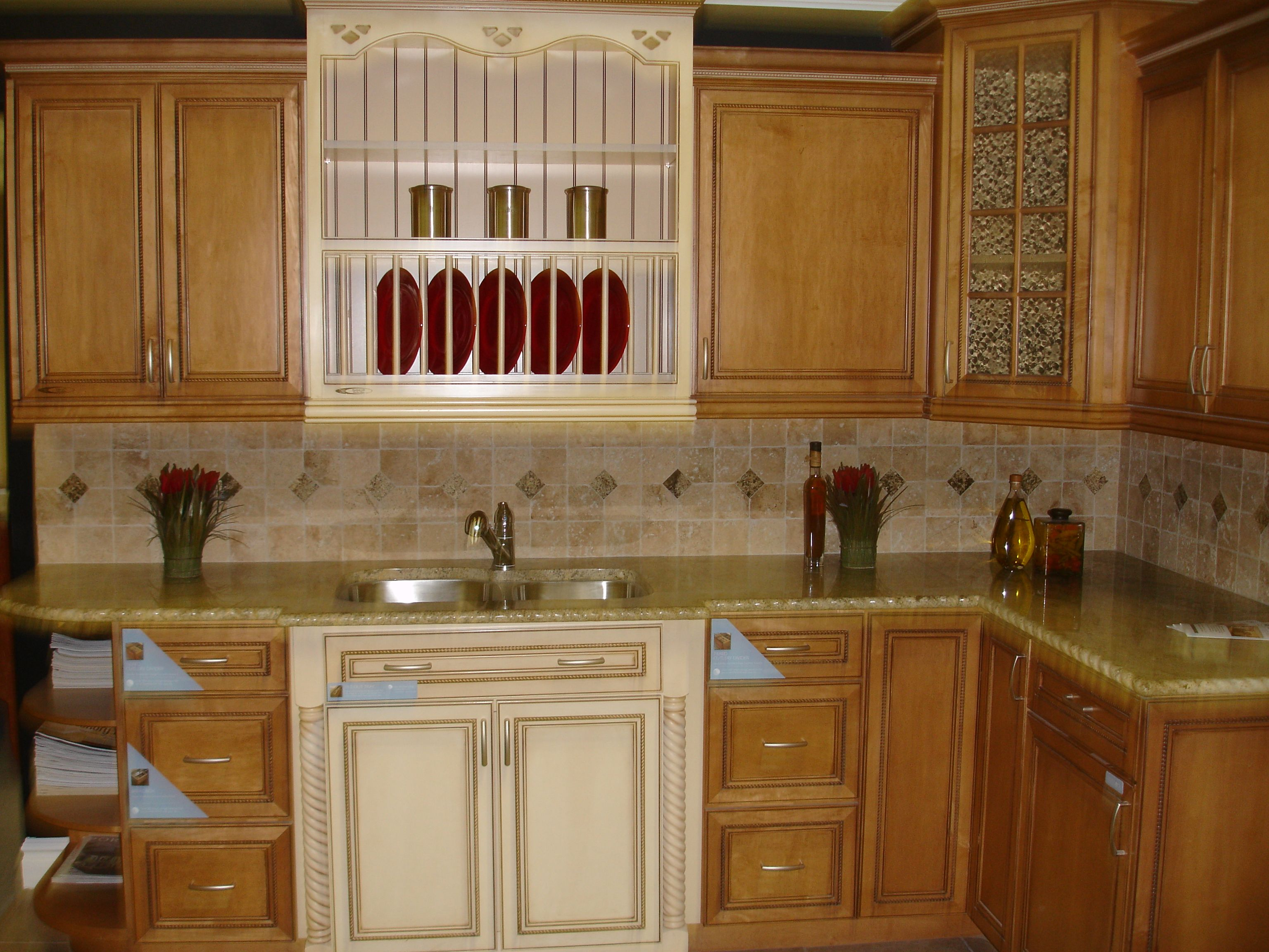 Furniture Transitional Kitchen With White Painted Maid Cabinet Kitchen Cabinet Styles Kraftmaid Kitchen Cabinets Kitchen Cabinets