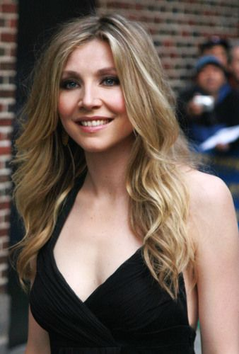 Sarah chalke sexy butt picture 244