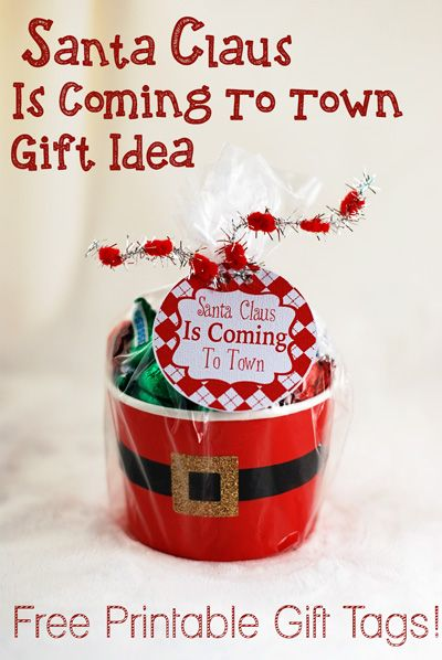 Santa claus is coming to town gift idea and free printable santa claus is coming to town gift idea and free printable bloggers best 12 days of christmas negle Image collections