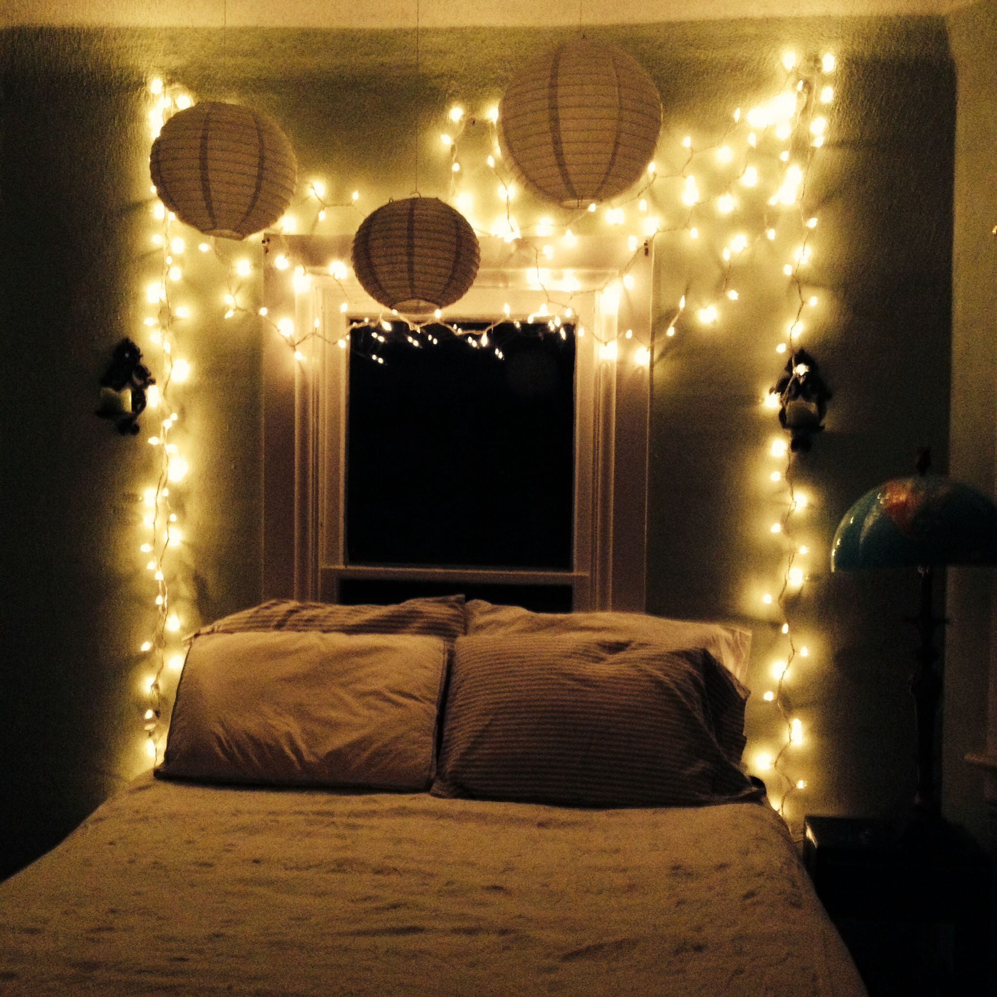 my bedroom oasis: twinkle lights, white, and stripes. | dormitorio