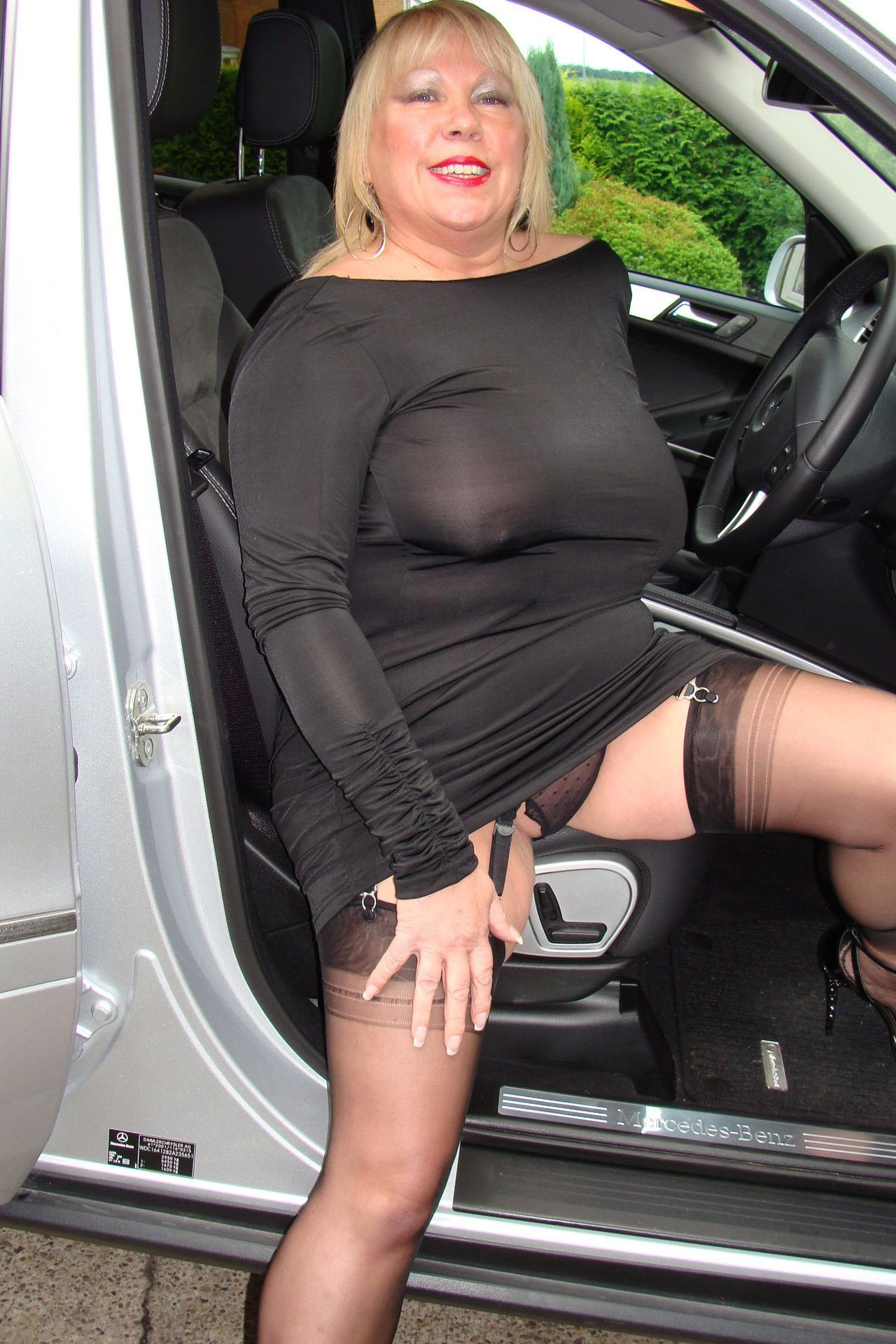 thick mature milf upskirt | upskirt | pinterest | ssbbw, thighs and nice