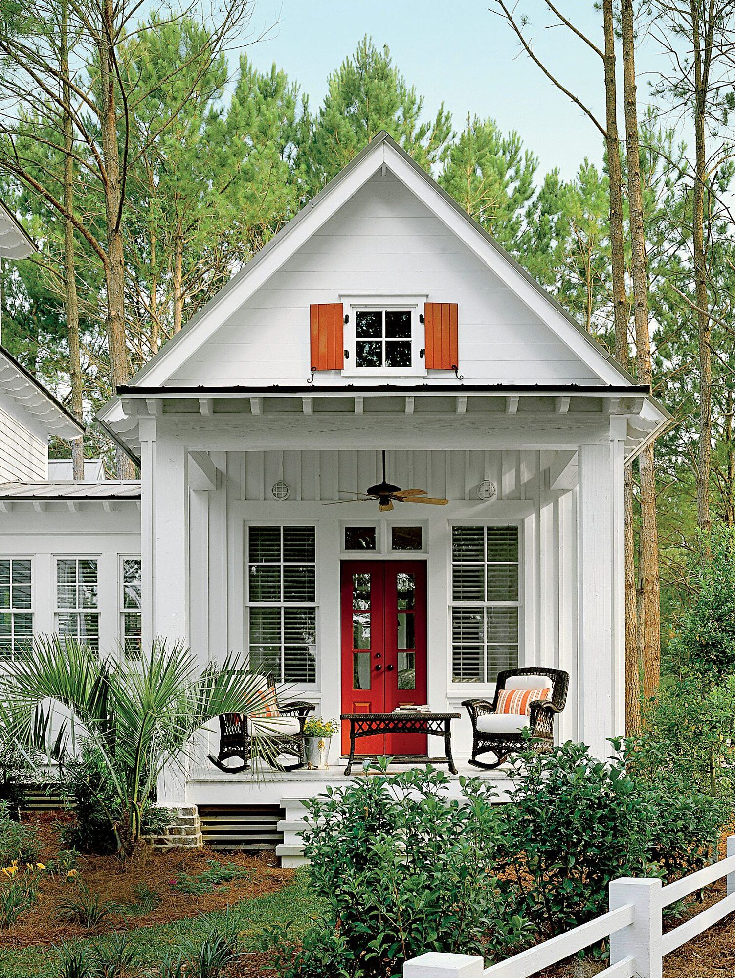 2016 Best Selling House Plans In 2020 Southern House Plans Modern Farmhouse Plans Southern Living House Plans