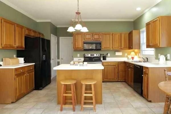 Image result for best wall color with golden oak cabinets ...