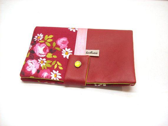 portefeuille rouge bordeaux tissu fleurs folk et simili cuir porte monnaie femme compagnon porte. Black Bedroom Furniture Sets. Home Design Ideas