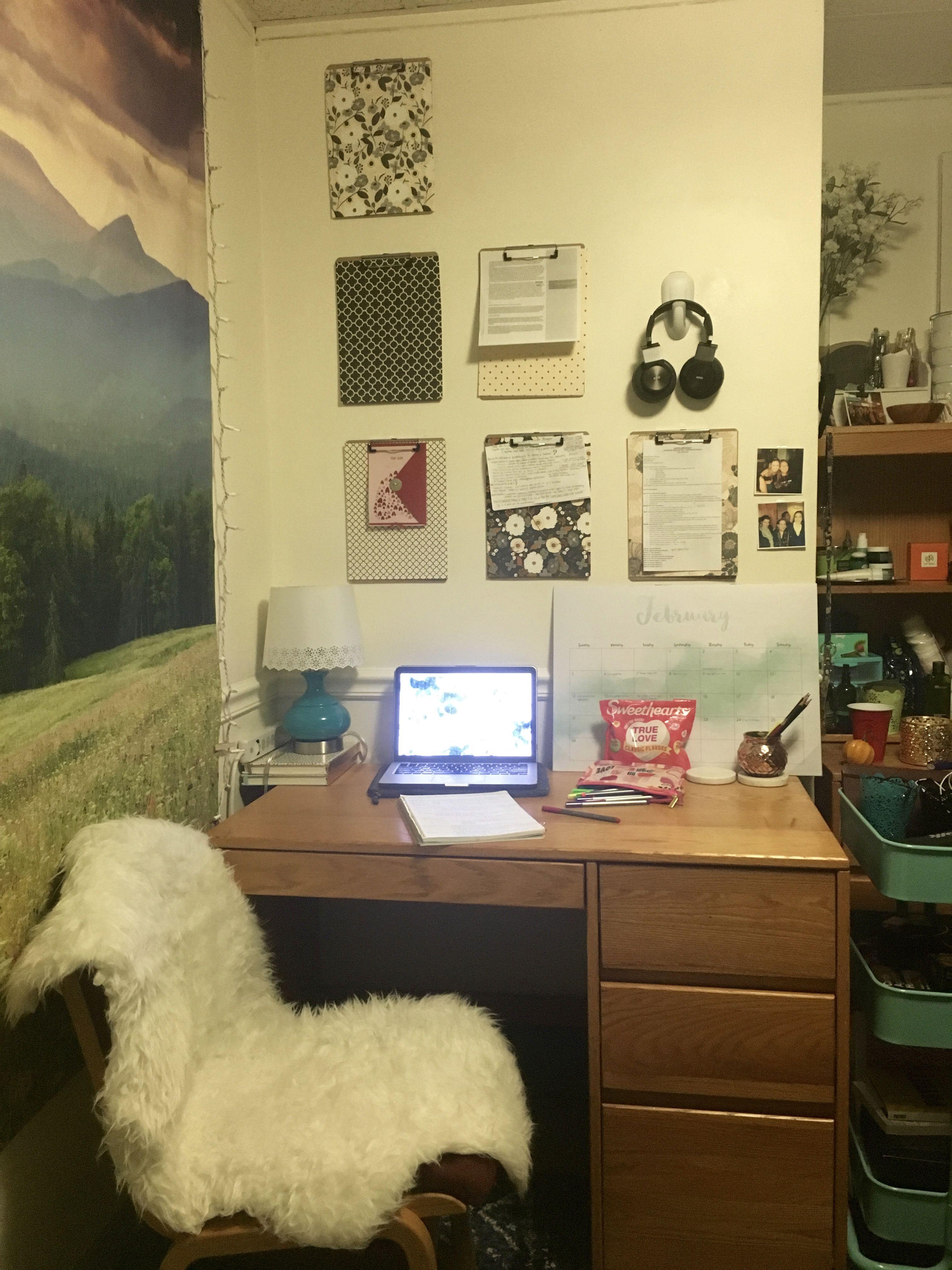 Cozy Dorm Desk Setup (Craven)