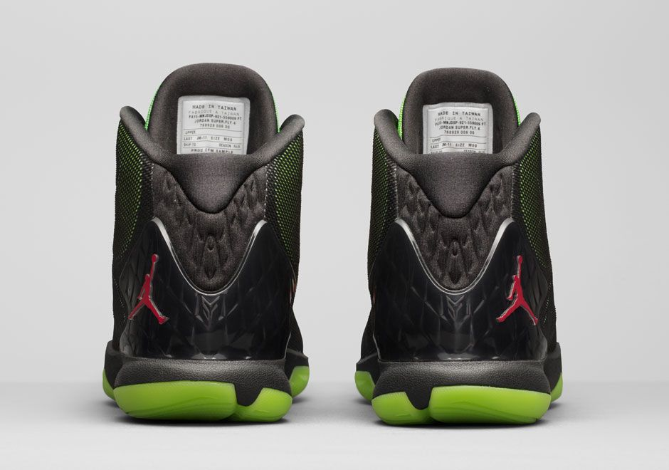 d69ff95a024d Find Blake Griffin s Jordan Super.Fly 4 Before Marvin The Martian ...