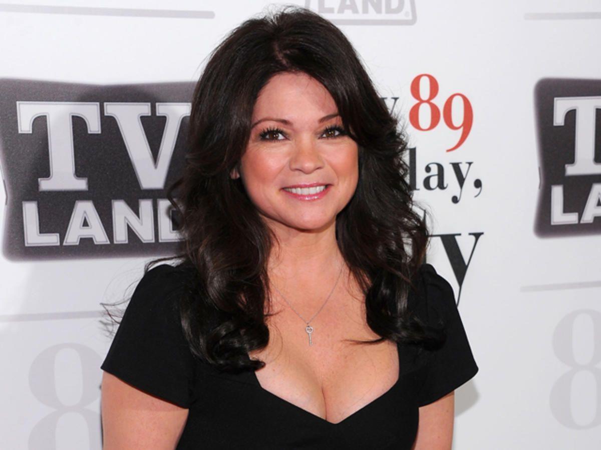 Found On Bing From Www Nbcphiladelphia Com Valerie Bertinelli Hair Styles Valerie