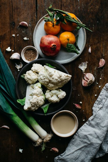 guest post by @dollyandoatmeal coriander roasted cauliflower tahini soup
