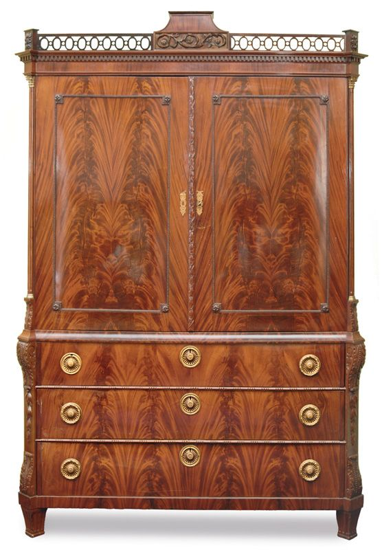 A Rare Louis Seize Cabinet Northern German About 1800 Mahogany Veneered And Antike Mobel Dielenschrank Auktionshaus