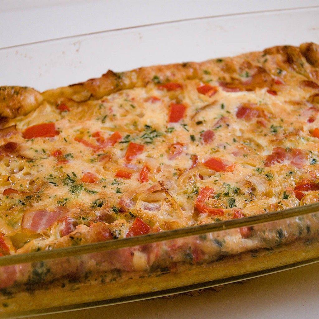 Ugnsomelett Med Bacon Spetspaprika Lok Graslok Och Parmesan Johans Mat Enkel Matlagning Billiga Middagar Mat