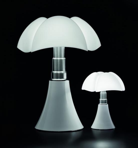 la lampe pipistrello a 50 ans et pas une ride les plus belles lampes design pinterest. Black Bedroom Furniture Sets. Home Design Ideas
