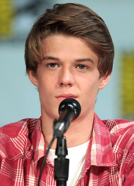 Colin Ford From We Bought A Zoo Dang He S Freaking Gorgeous 3