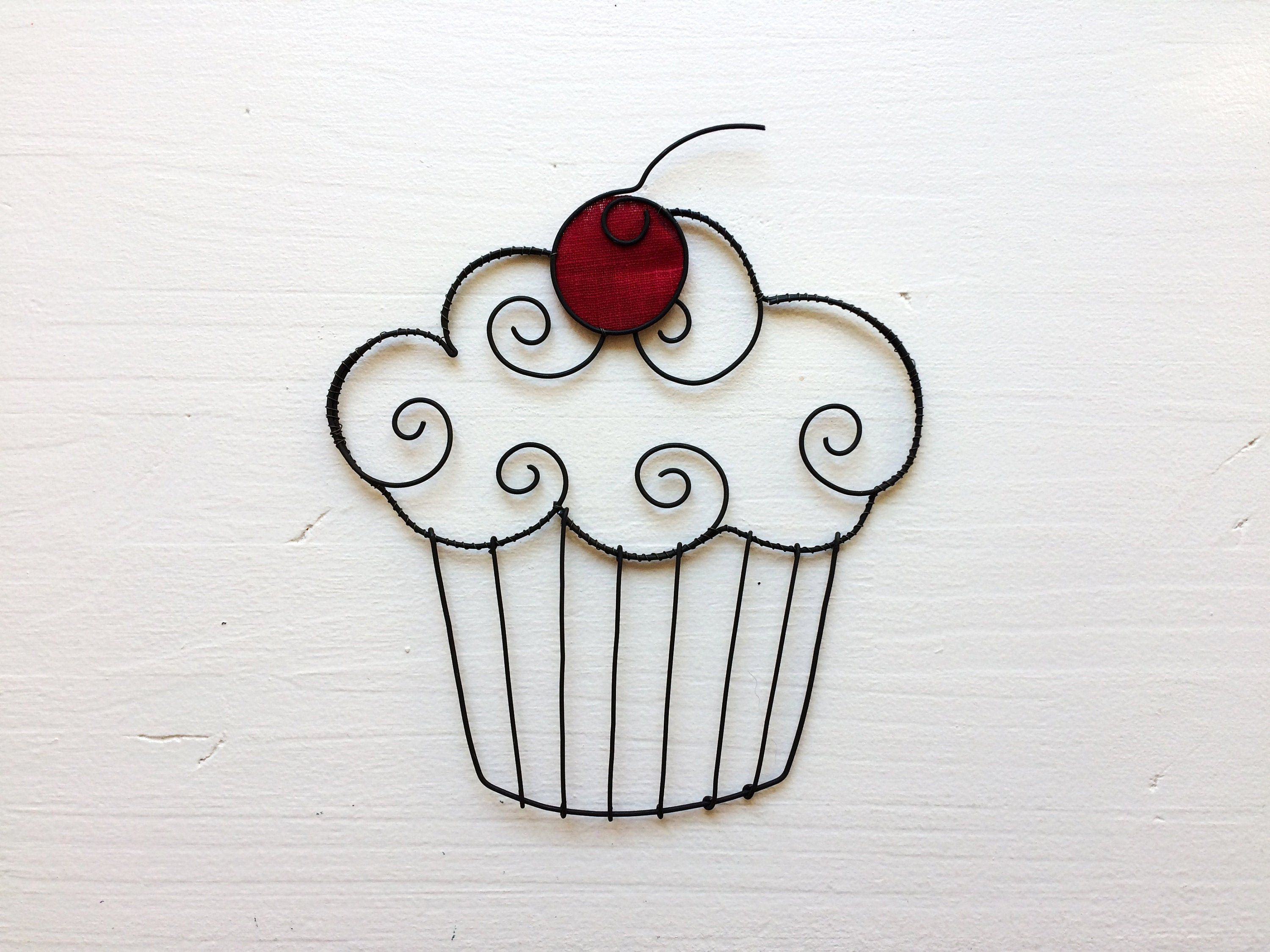 Cup cake in recuit yarn, kitchen wall decoration, metal decoration