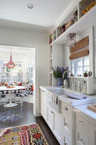 Küche mit Frühstücksecke