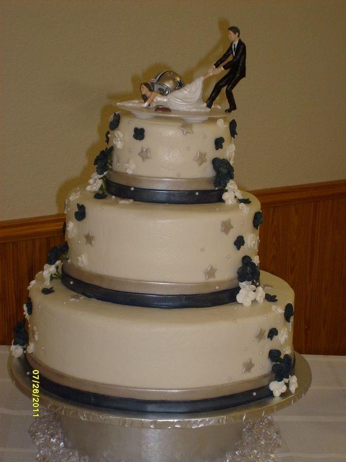 dallas cowboy wedding cake Dallas Cowboy Fan Keris Big Day
