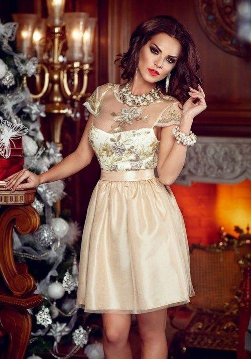 96d6d1e155d Что одеть на Новый год  Самые красивые платья на Новый год 2018. Новогодние  платья - новинки