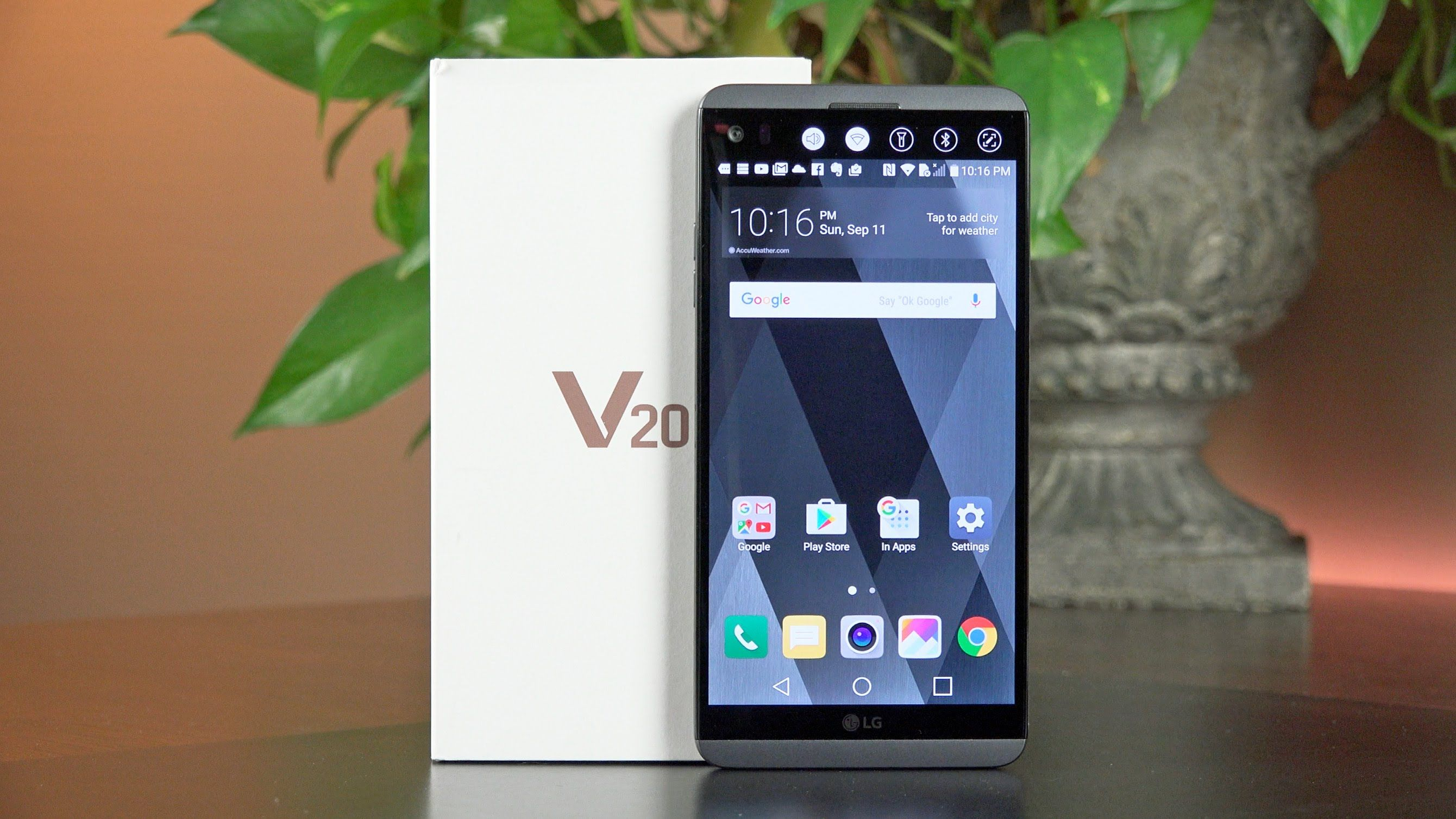 The #LGV20 from LG Powered by #Android Nougat (7 0) and