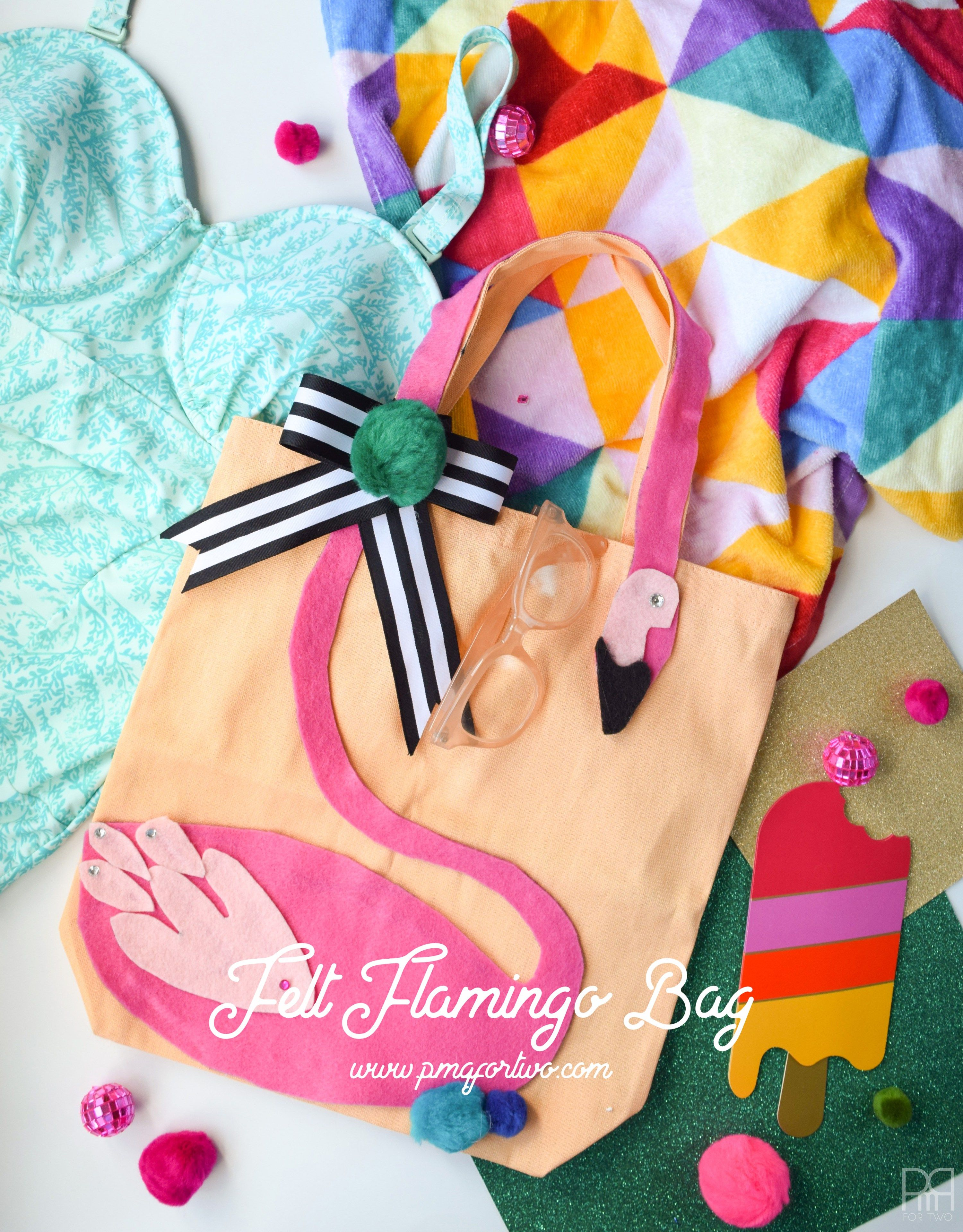 207971cc1c14 Make your own Kate Spade inspired felt flamingo beach bag. It s as simple  as 1-2-3 with high quality felt and some hot glue. Make your own in 10  minutes and ...