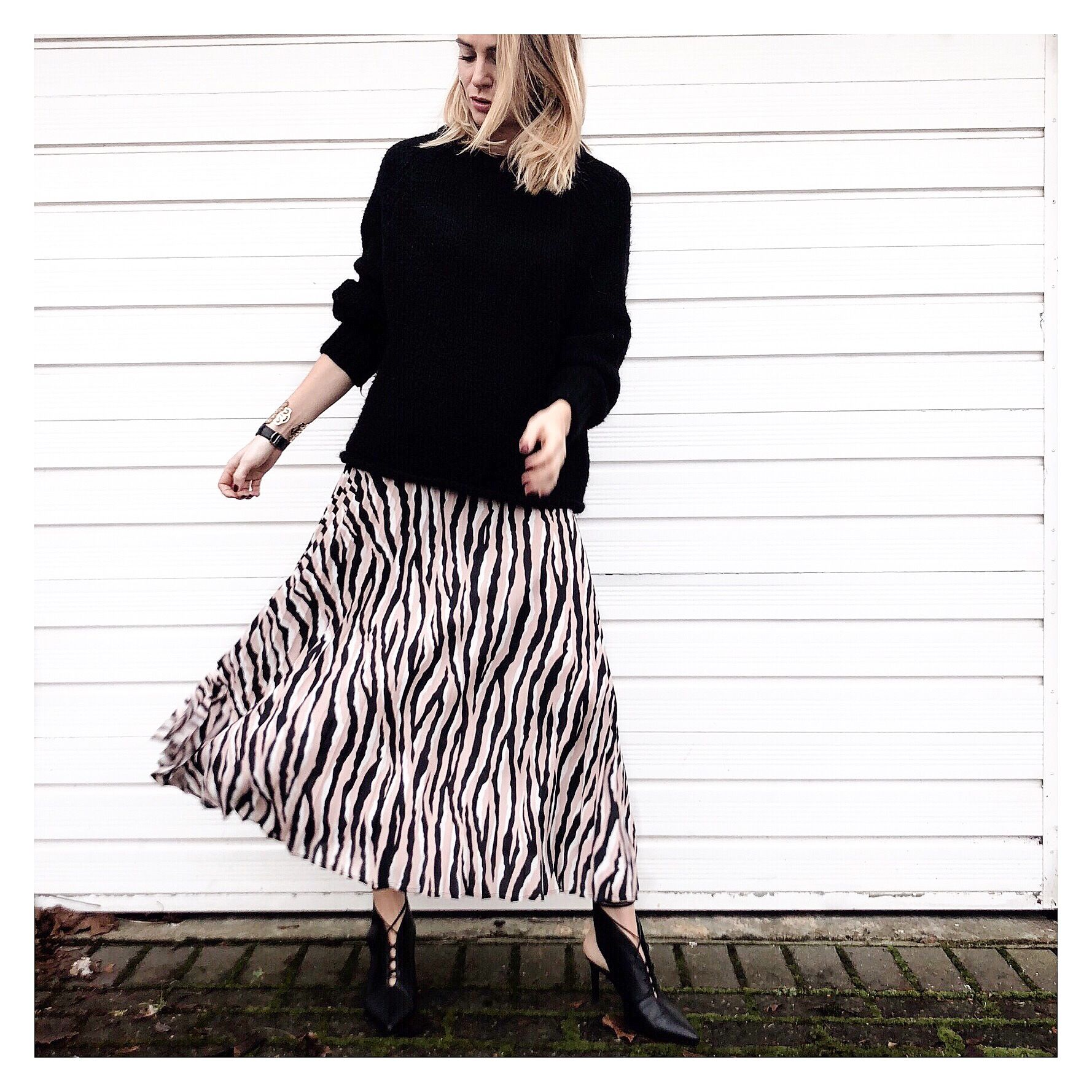 b0f1b452cf As Seen On | Katie from @themumlife_styled wears our Animal Print Midi Skirt  | Wallis | Shop Now #WallisLoves #WallisFashion #AsSeenOn #Influencer ...