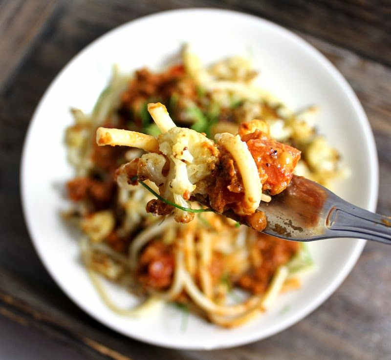 Ristet blomkål på spaghetti (brug squashspaghetti)