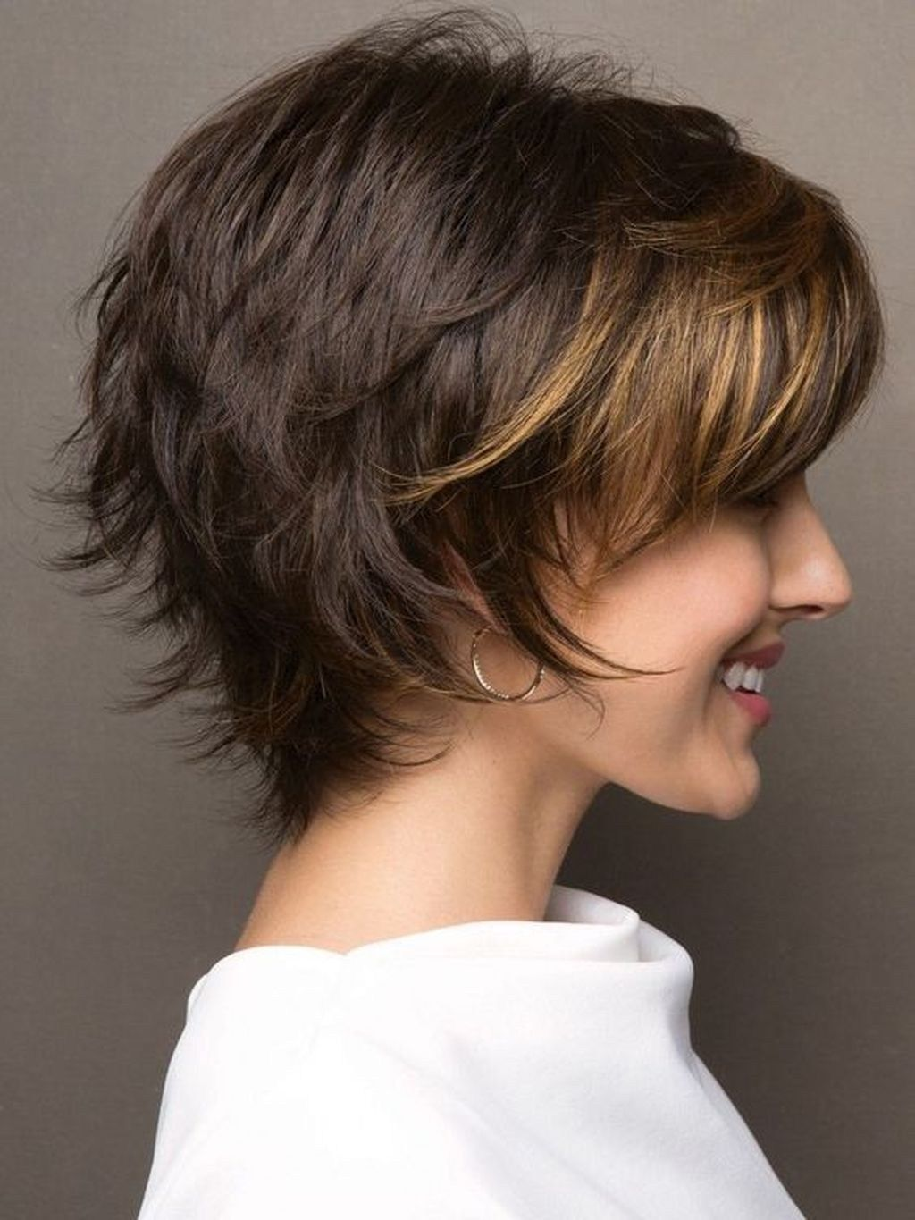 20+ Awesome Short Layered Hairstyles Ideas | Thick hair ...