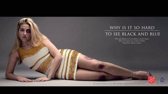 Robe bleu noir ou blanche et dore