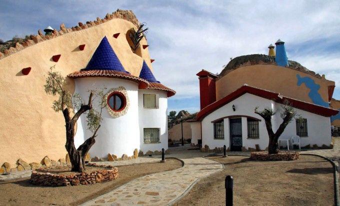 Trogloturismo Turismo Rural En Cuevas Exquisitas Blog Sobre Turismo Rural Casas Subterráneas Casas Casa Cueva
