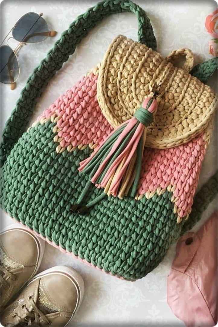 2019 March Crochet Bag Pattern Ideas. New fashion shoulder bag for young ladies. #crochethandbags